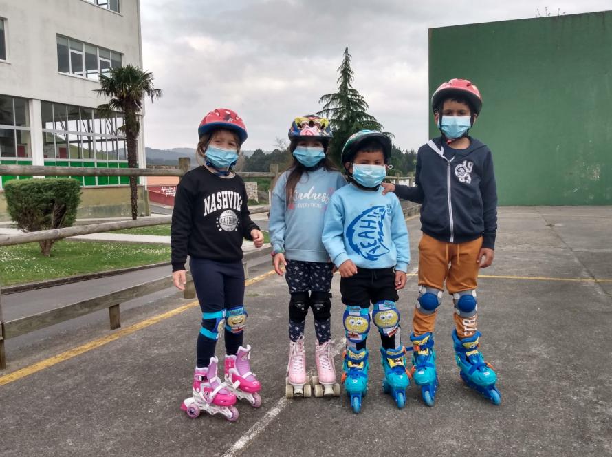 Estrenando los patines que nos entregó Mapfre en Reyes
