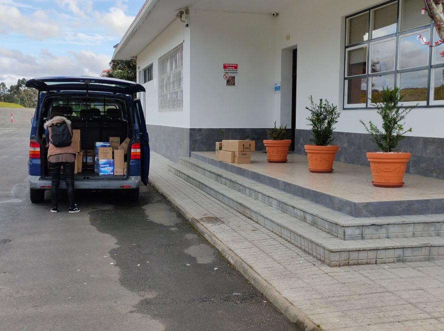 Grupo Gadisa colabora con productos de limpieza e higiene con las familias que atendemos